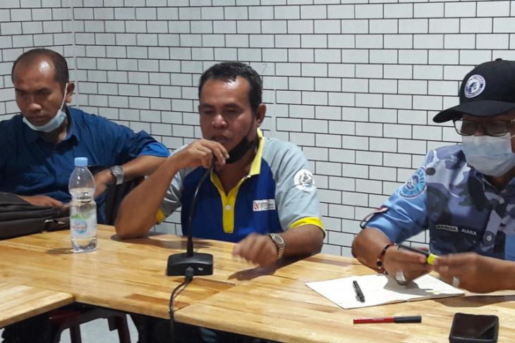 Anggota DPR-RI Hinca Panjaitan temui warga korban penganiayaan di Langkat