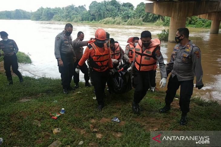 SAR temukan jasad pria yang melompat dari jembatan di Bungo