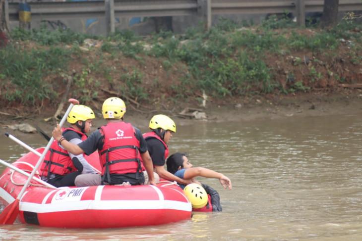 PMI Kota Tangerang gelar simulasi penanganan bencana alam diikuti relawan