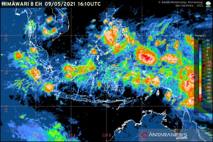 Sejumlah daerah berpotensi hujan lebat dan angin kencang