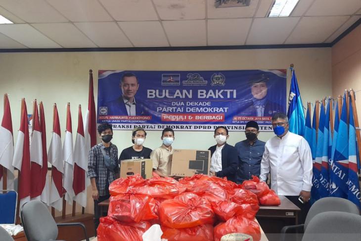 F-Demokrat DPRD salurkan bantuan pada Pokja Wartawan Harian dan Ekektronik Provinsi Banten
