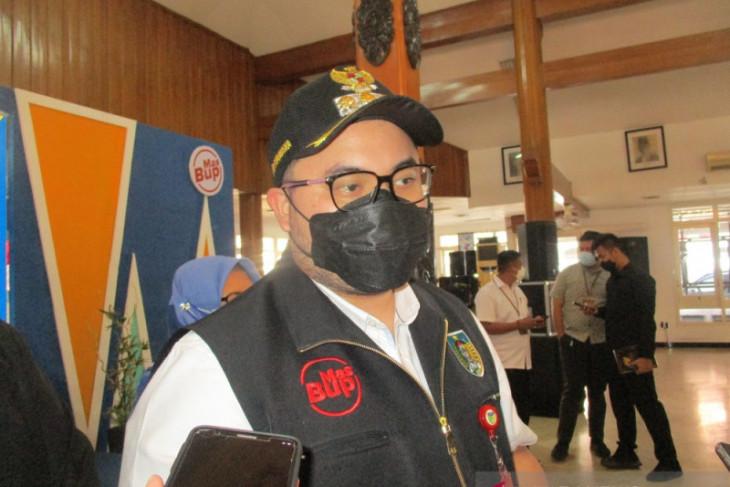 Bupati Kediri: Mayoritas warga meninggal karena COVID-19 saat isoman