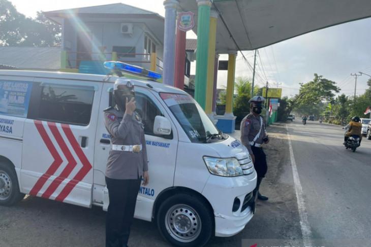 Polres Gorontalo sosialisasikan pencegahan COVID-19 di jalan