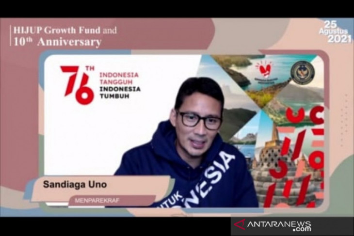 Menteri Sandiaga ingin fashionmuslim lokal tersedia di wisata super prioritas