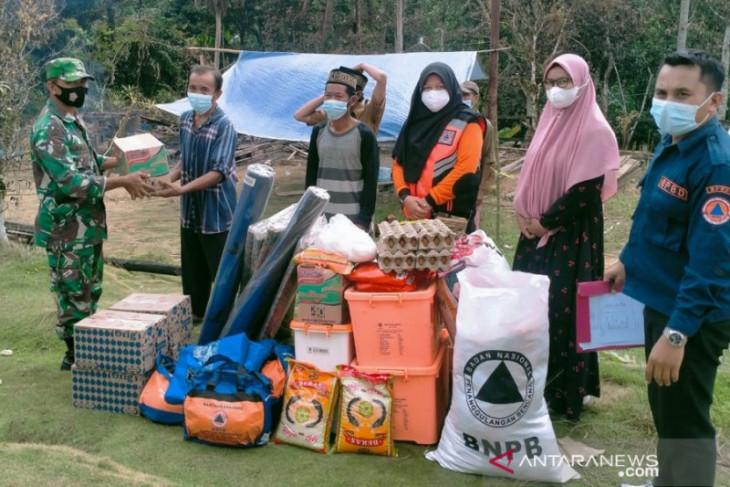 BPBD Kabupaten PPU bantu korban kebakaran di Tengin Baru