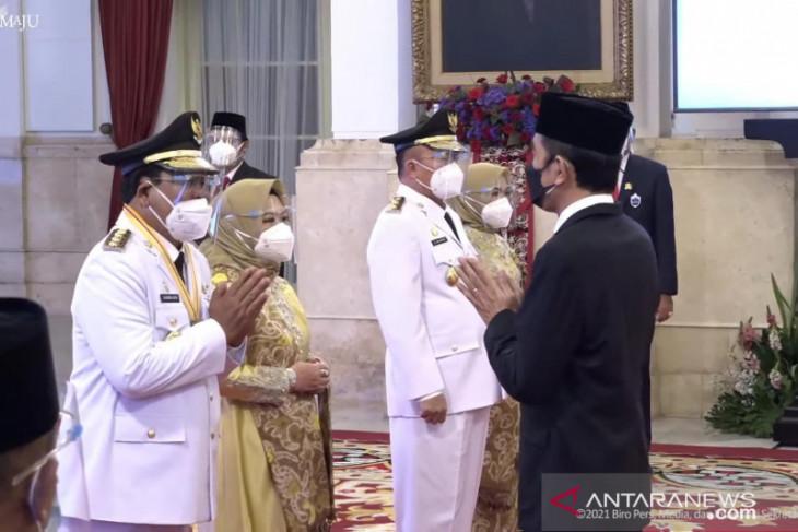 Presiden lantik Gubernur/Wakil Gubernur Kalimantan Selatan periode 2021-2024