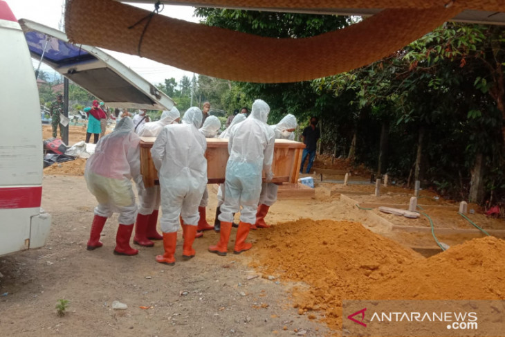 KPK koordinasi dengan Pemkab Jember terkait polemik honor pemakaman jenazah COVID-19