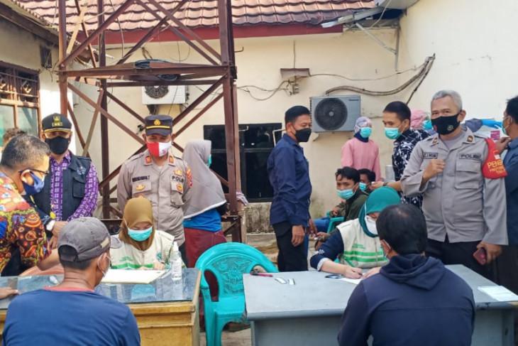 Polisi Tangerang lakukan tes swab bagi pelanggar prokes