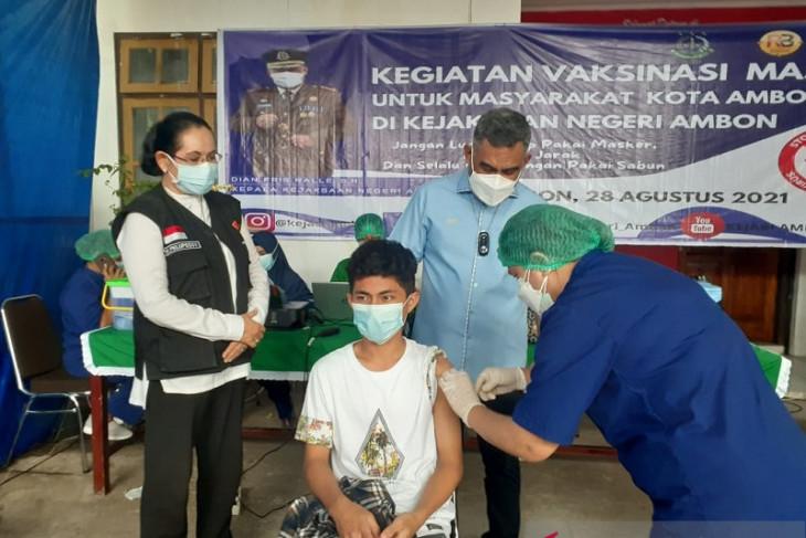 DPRD Maluku sarankan pengaturan pelaksanaan vaksinasi bagi pelajar terapkan Prokes