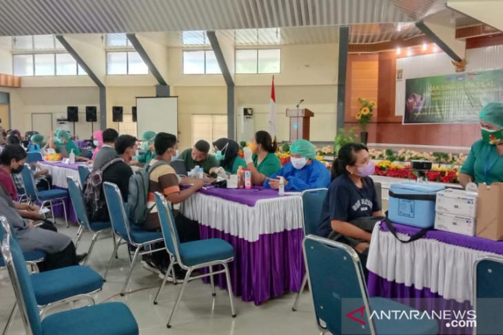 Pemkot Ambon jemput bola vaksinasi di gerai modern