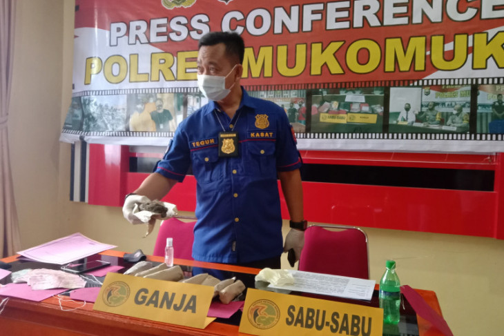 Polres Mukomuko selidiki identitas pengedar ganja