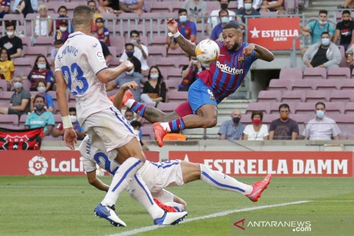 Liga Spanyol, gol Memphis Depay bantu Barcelona atasi perlawanan Getafe 2-1