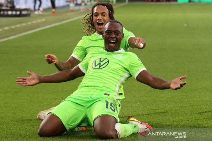 Wolfsburg lanjutkan musim sempurna saat kalahkan Leipzig 1-0