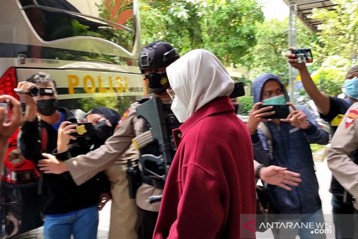Terjaring OTT KPK, Bupati Probolinggo dan suaminya diperiksa selama 4 jam di Polda Jatim