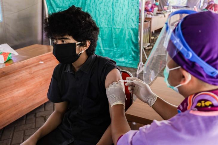 Pemkot Kediri gencarkan vaksinasi warga usia 18 tahun ke atas