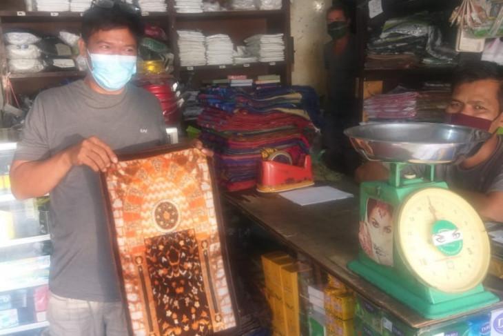 Sajadah Turki di Medan diburu pembeli karena kuliatas bagus