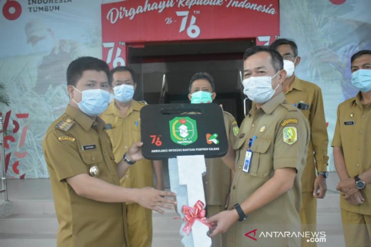 Bupati Sambas serahkan ambulan dari Pemprov Kalbar ke RSUD Pemangkat