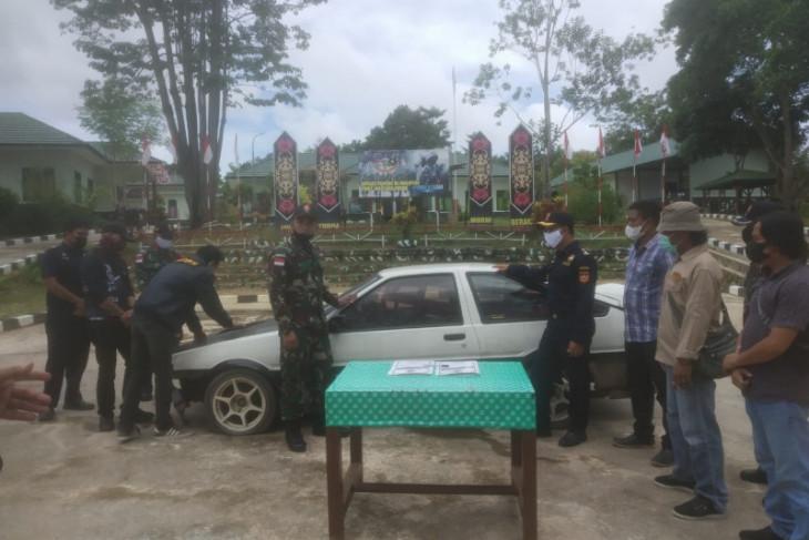TNI gagalkan penyeludupan mobil di batas RI-Malaysia wilayah Kapuas Hulu