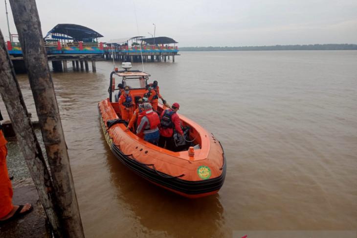 Basarnas Jambi kerahkan tim rescue cari nelayan  tenggelam di perairan Pulau Berhala