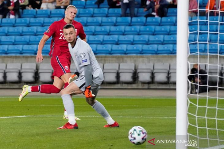 Kualifikasi Piala Dunia: Haaland akhirnya cetak gol saat Norwegia imbangi Belanda