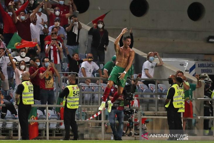 Cristiano Ronaldo bawa Portugal menang dramatis atas Irlandia