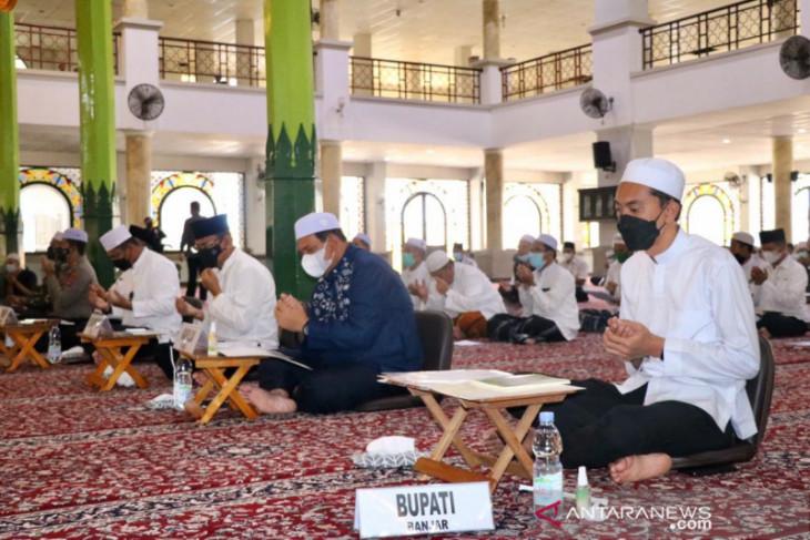 Bupati ikuti istighosah dan doa bersama keselamatan Banua dari COVID-19