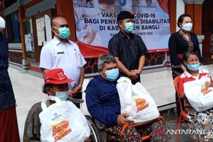 Bupati Bangli tinjau vaksinasi COVID-19 bagi penyandang disabilitas