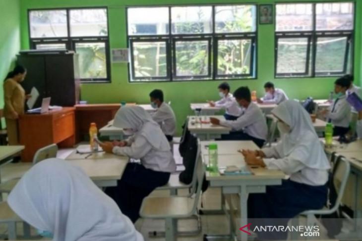 Dinas Kesehatan Penajam ingatkan pelajar disiplin prokes saat tatap muka