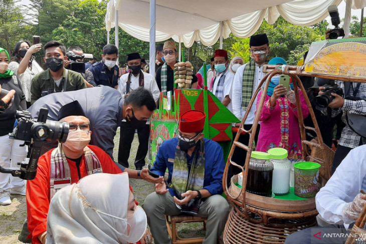 Sandiaga usul pembangunan kereta gantung menuju Setu Babakan