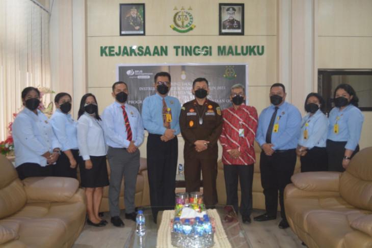 BPJAMSOSTEK - Kejati Maluku evaluasi penerapan Inpres no 22021 tegakkan aturan