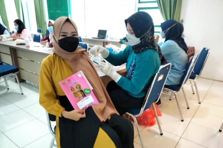 Belasan ibu hamil di Tanah Bumbu ikuti vaksinasi COVID-19