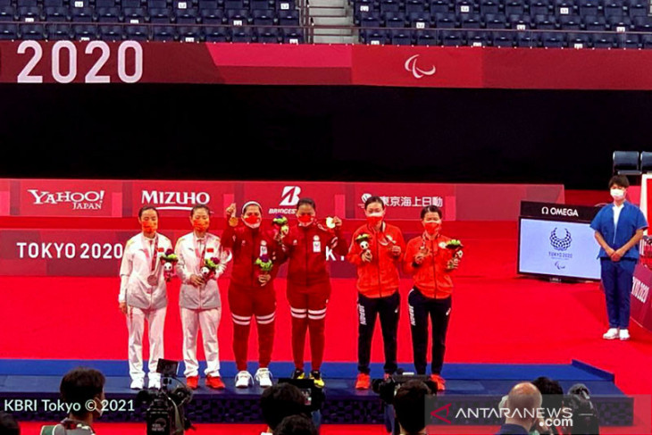 Tunggal putriLeani Ratri raih perak para-badminton tunggal putri SL4 Paralimpiade