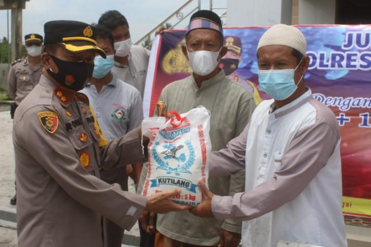 Polres Sergai bantu sembako untuk warga kurang mampu