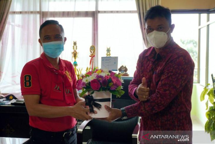PLN UID Bali kunjungi pelanggan di Hari Pelanggan Nasional