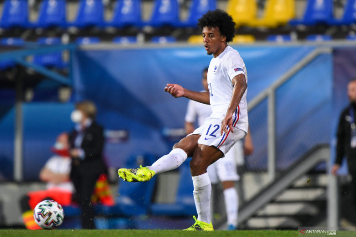 Lopetegui ungkap alasan Chelsea gagal dapatkan Jules Kounde