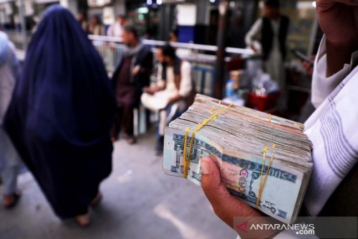 Taliban serahkan dolar dan emas sitaan ke bank sentral Afghanistan