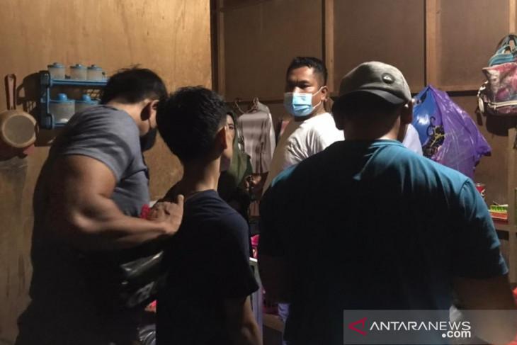 Terlibat narkoba, seorang kakek dan pemuda dari HST ditangkap
