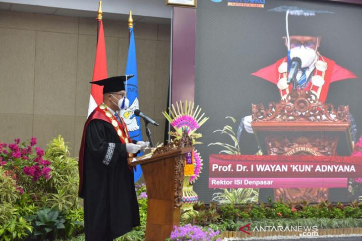 Wisuda ke-26 ISI Denpasar dirangkaikan Pembukaan Festival Bali Sangga Dwipantara