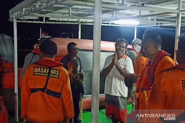 Tim SAR temukan nelayan Tual yang mengalami kecelakaan saat melaut syukur selamat