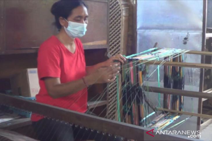 Penjualan produk UMKM di Denpasar meningkat lewat aplikasi digital (video)