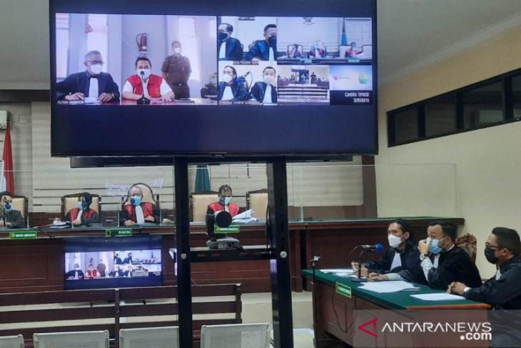 Bupati Nganjuk nonaktif Novi Rahman sampaikan eksepsi di persidangan