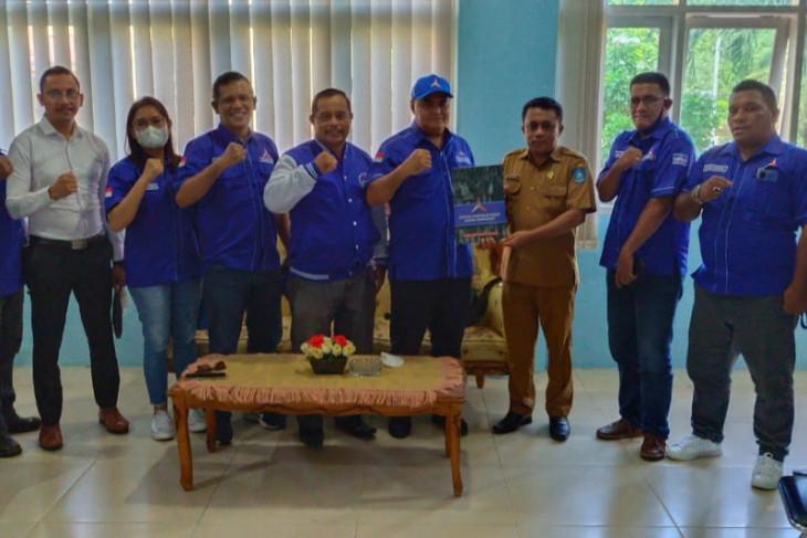 DPC Demokrat serahkan SK PAW jabatan Ketua DPRD Halmahera Utara tegakkan aturan