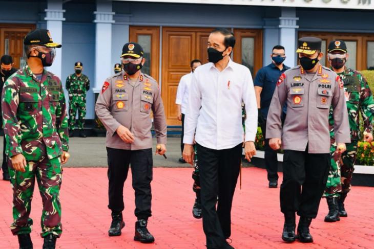 Presiden Jokowi ke Jatim tinjau vaksinasi dan resmikan bendungan