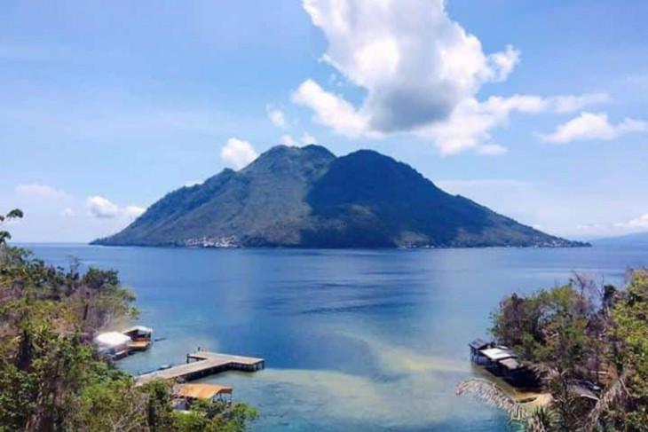 Dispar Ternate lanjutkan pembangunan panggung kesenian di Pulau Hiri dukung pariwisata
