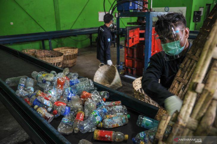 5 juta ton sampah plastik se-Indonesia tidak terkelola