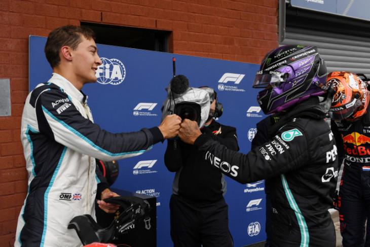 Mercedes tandemkan George Russell dan Lewis Hamilton di F1 musim 2022
