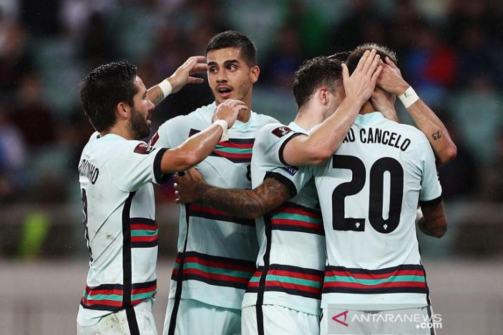 Portugal rebut puncak Grup A