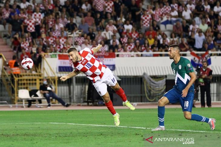 Kroasia rebut puncak grup H
