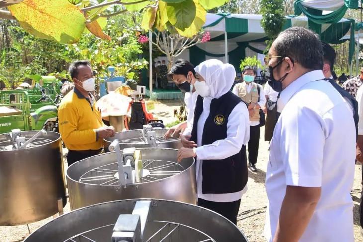 Pemprov Jatim bantu alat produksi kepada petani hutan di Madiun