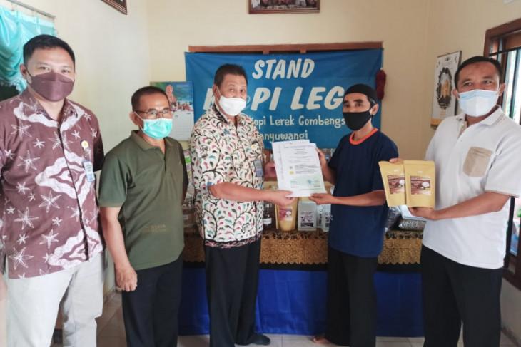Kelompok tani Banyuwangi peroleh sertifikat produsen kopi organik